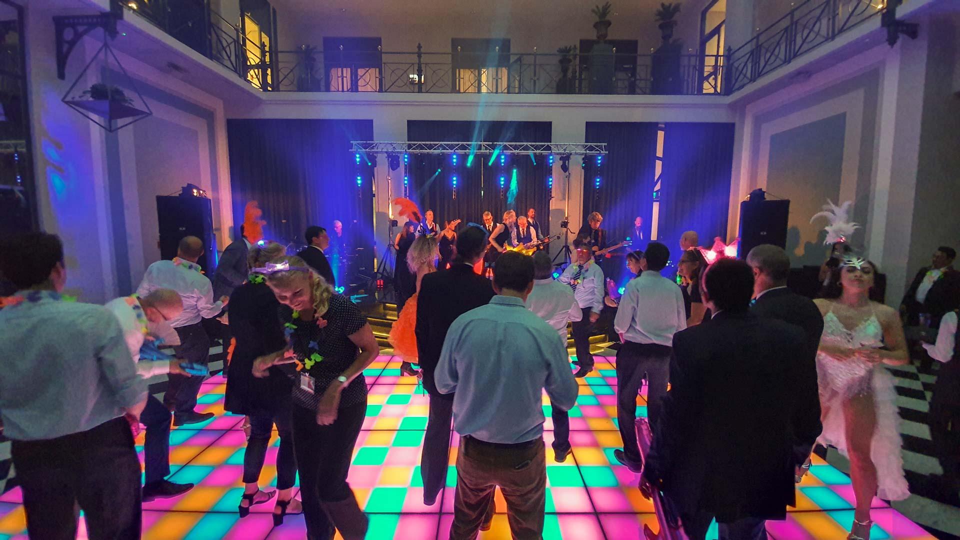 Audiovisuele techniek - Personeelsfeest in het Krasnapolsky hotel Amsterdam